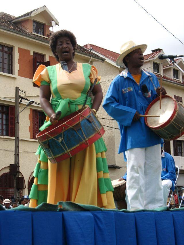 BAKOMANGA 19 SEPTEMBRE 2007 HOTEL DE VILLE