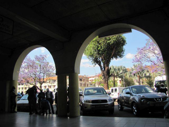 Avenue de l'Indépendance arcades Analakely