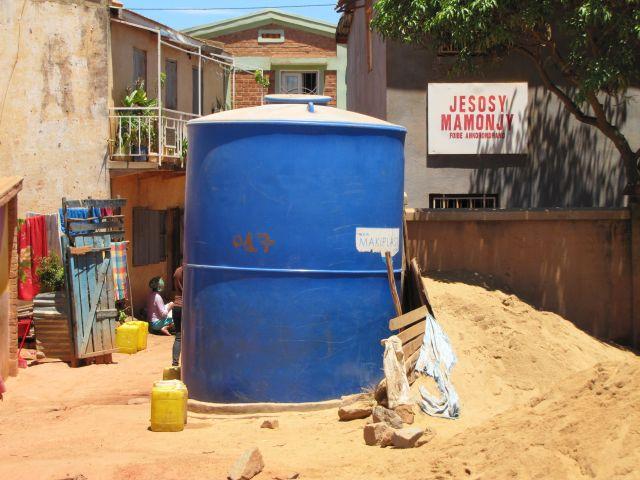 CITERNE-eau-antananarivo-1