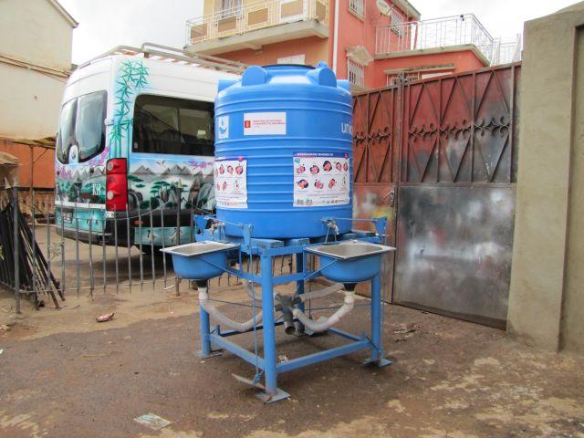 cIterne lave mains UNICEF