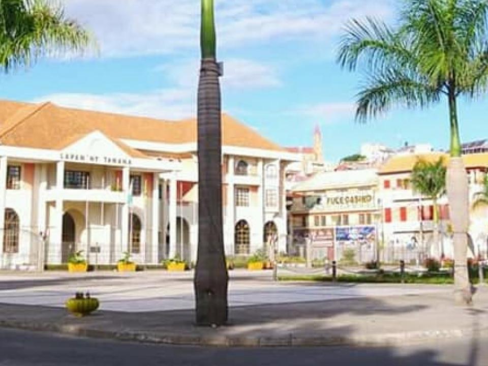cropped-hotel-de-ville