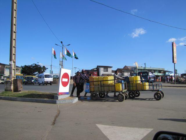 marchands d'eau Ampasika 2020